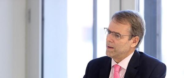 Oriol Amat (Barcelona, 1957) és un economista català inclòs en el rànquing H Index Scholar  autor de diversos llibres