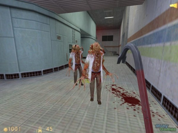 Half-Life Fight with Headcrab Scientists with crowbar