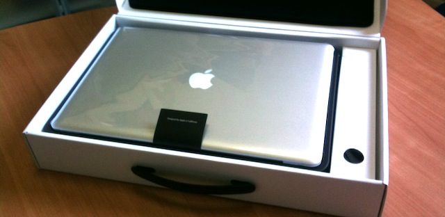 unboxing macbook pro 15