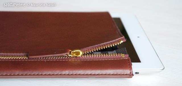 Proporta-Leather-Sleeve-iPad2-010