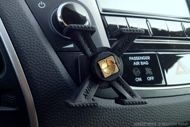 Recensione supporto per auto tetrax xway ottimo ma costoso - Porta navigatore auto ...