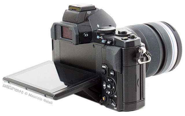 olympus-omd-em5-display-orientato