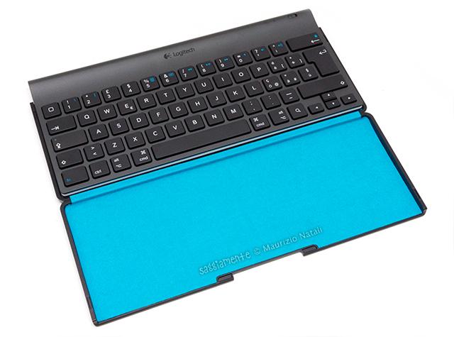 logitech-tablet-keyboard-ipad-8