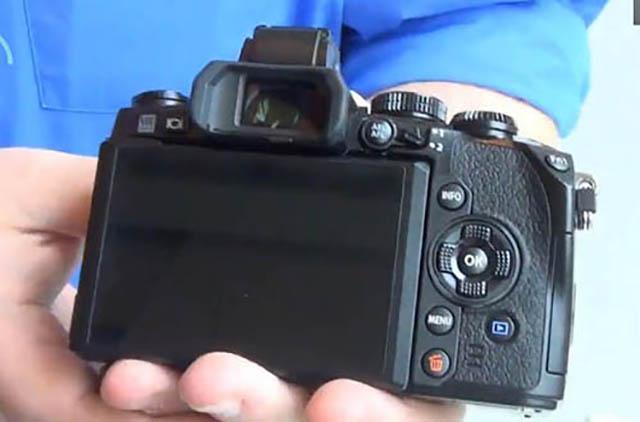 Olympus-OM-D-E-M1-camera-2