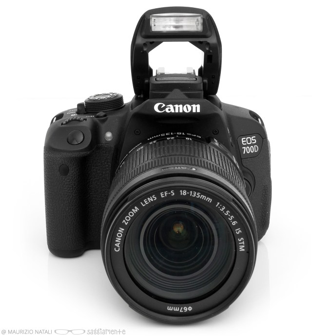 canon-700d-flash