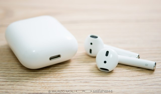 apple-airpods-7