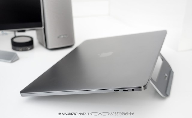macbookpro15-touchbar-connettore-audio