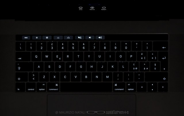 macbookpro15-touchbar-tastiera