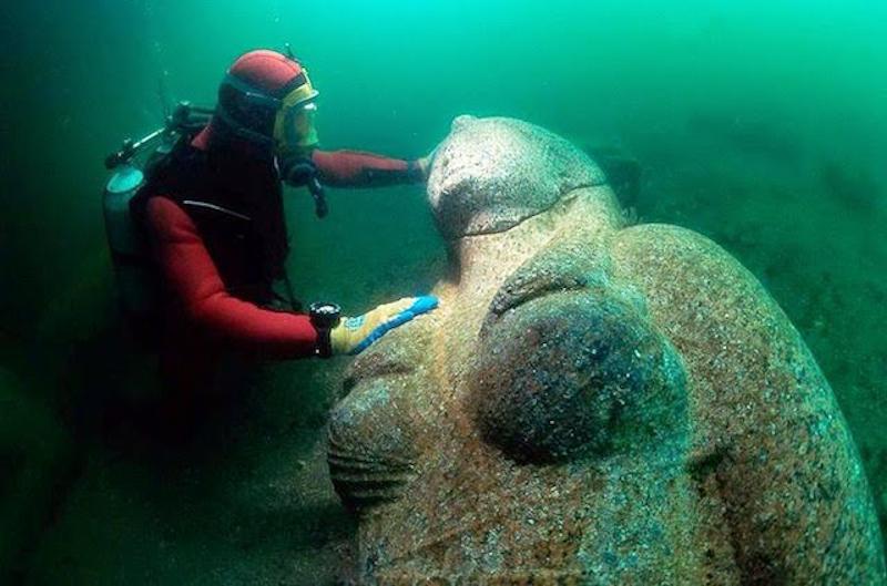 Heracleion statua divinità
