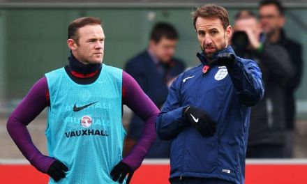 Wayne Rooney captaincy decision to wait for new England boss