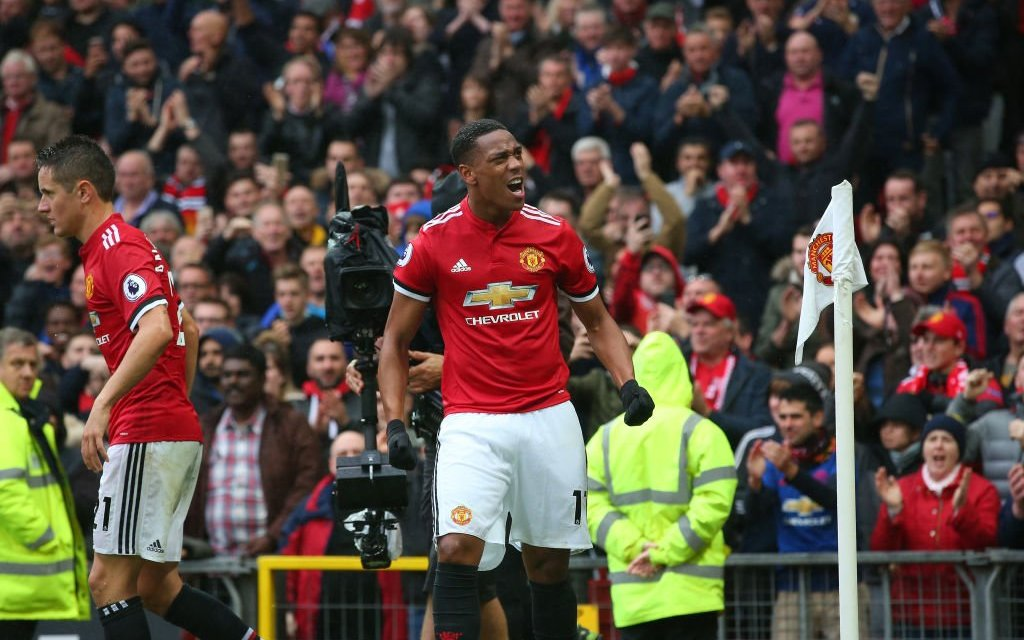 Anthony Martial strikes late as Manchester United beat Tottenham