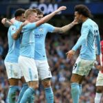 Man City move clear of Man United at top, Chelsea lose to Palace