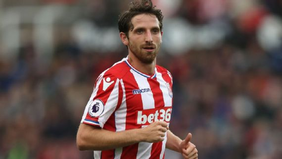 Stoke City reject West Ham United's bid for Joe Allen