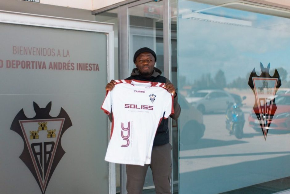 Sulley Muntari unveiled by his new Spanish club