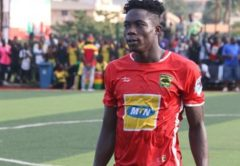 Justice Blay wins Asante Kotoko player of the month award