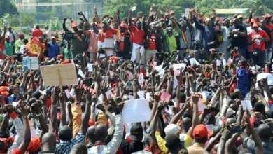Photo of مالي: دعوة للهدوء بعد احتجاجات رافضة للقوات الأجنبية
