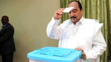 "Photo of موريتانيا.. الرئيس يصوت ويتمني ""تتويج عمله"" في الانتخابات"