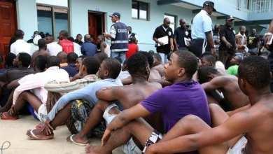 مهاجرون أفارقة في قبضة الشرطة الأنغولية - وكالات