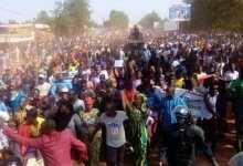 Photo of مالي.. مظاهرات تتضامن مع الجيش وتدعو لخروج الفرنسيين