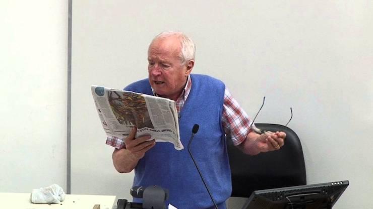 وفاة الصحفي البريطاني روبرت فيسك