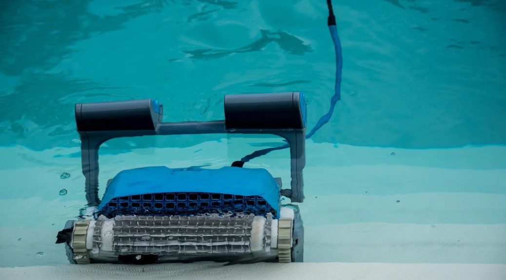 No Green Pools Allowed: What Are the Best Pool Cleaners out ...