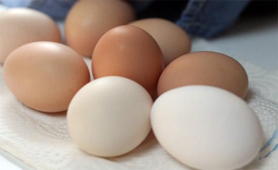 تعديل المزاج المتقلب - فوائد البيض الصحية