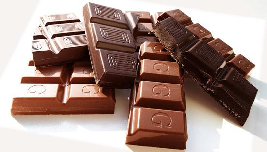 تعديل المزاج المتقلب – فوائد الشوكولاته (الكاكاو الداكنة) الصحية