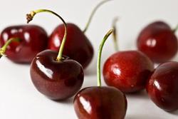 مأكولات-لزيادة-الطاقة-بشكل-طبيعي--فوائد-الصحية--الكرز--2-