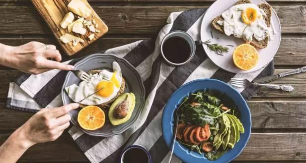 وجبة فطور غنية بالبروتين