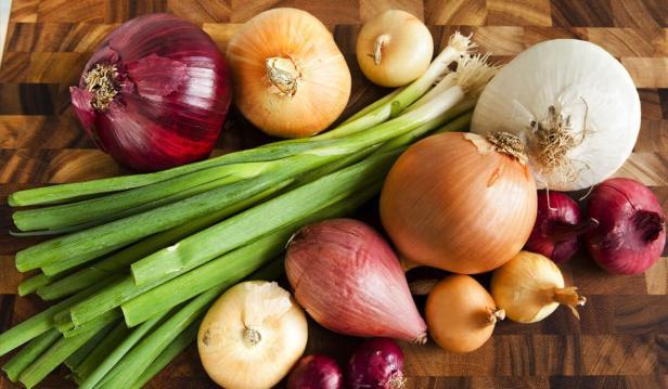 انواع عديدة من البصل