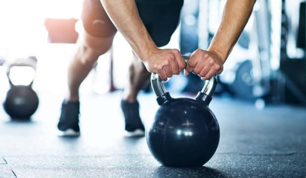 تمرين الضغط باستخدام كرة ثابتة