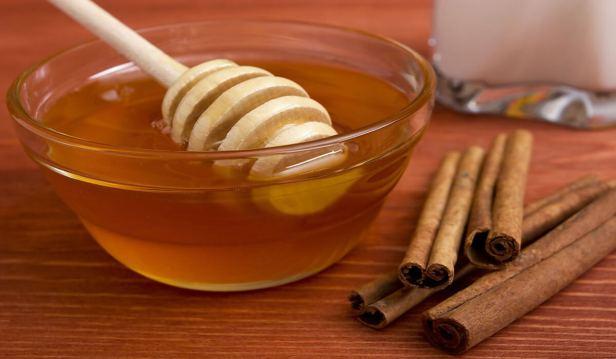 العسل والقرفة