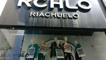 f19b1275c Marcha das Mulheres escracha Riachuelo em protesto à precarização do  trabalho