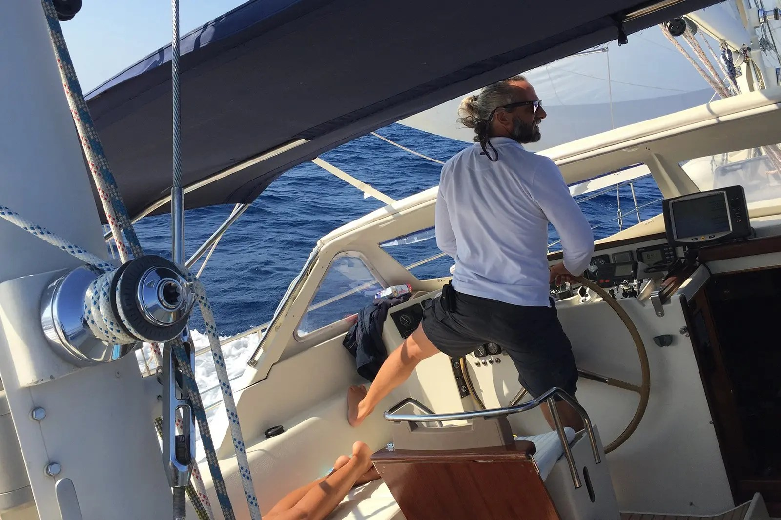 Vacanza in barca a vela: con lo skipper o senza?