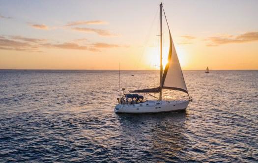 Honolulu Oahu sunset cruise