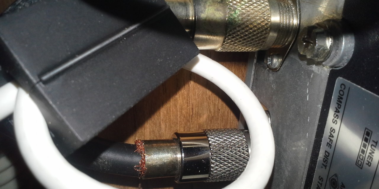 Installing an ICOM802 SSB Part 4: Connecting the emergency DSC antenna
