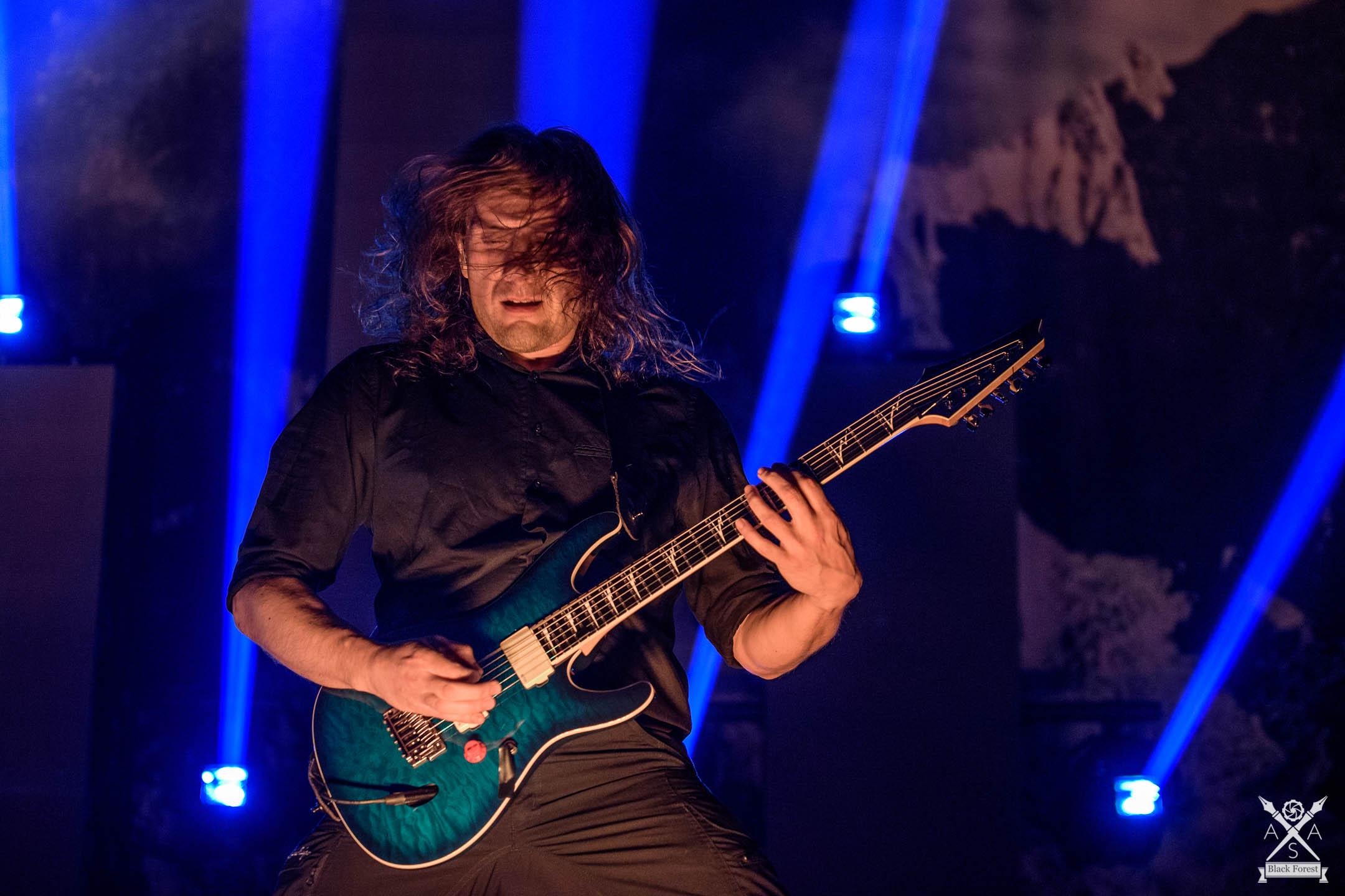 Korn - Heaven Shall Burn - Hell Yeah