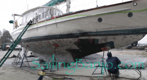 boat bottom stripping with recycled glass