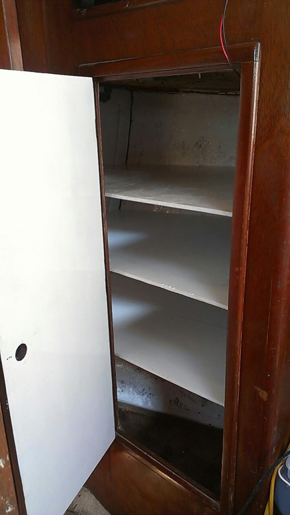 sailboat-shelves-locker