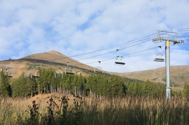 breckendridge-ski-lift-fall