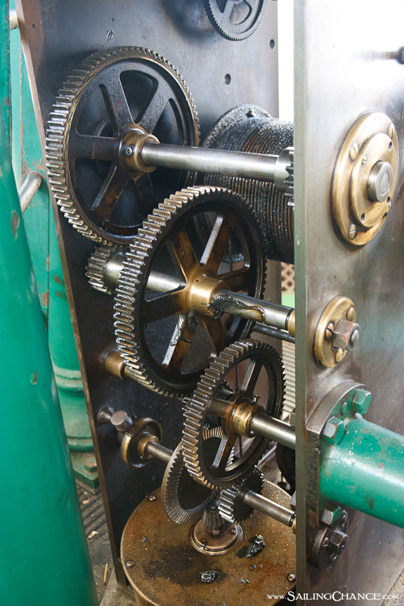 Hopetown_Lighthouse_gears