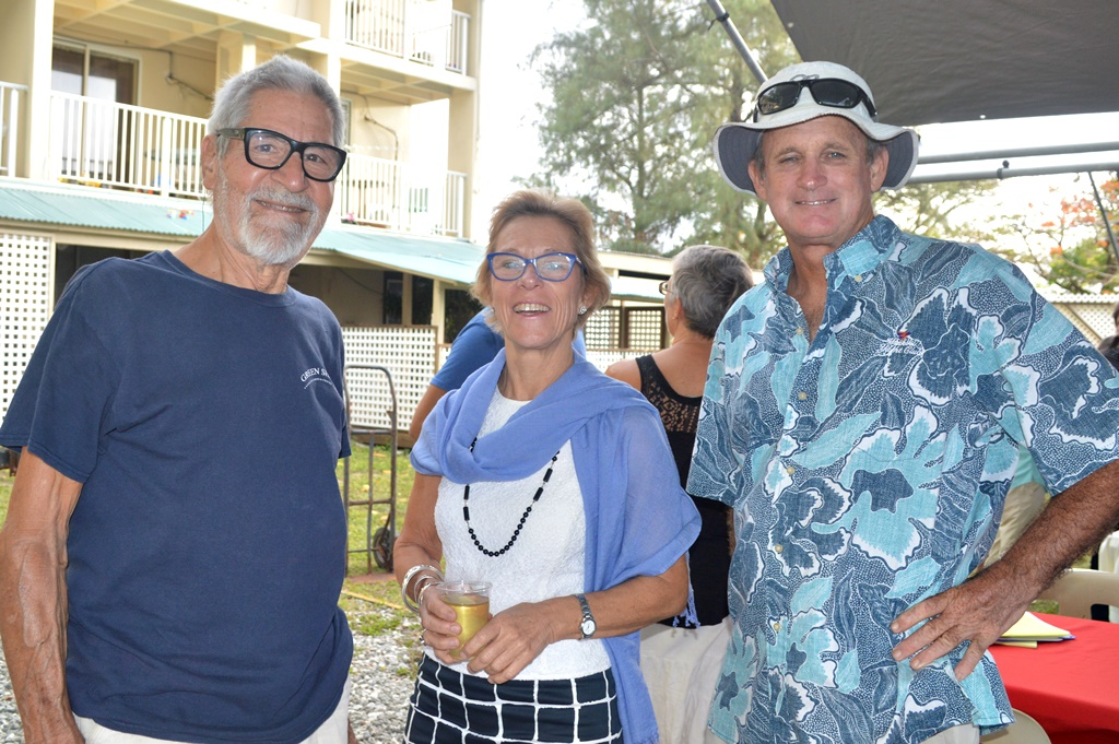 CommodoCommodore Peter Hartmann, Liz Rodick, and Vice Commodore Cary Evarts.re Peter Hartmann, Liz Rodick, and Vice Commodore Cary Evarts.