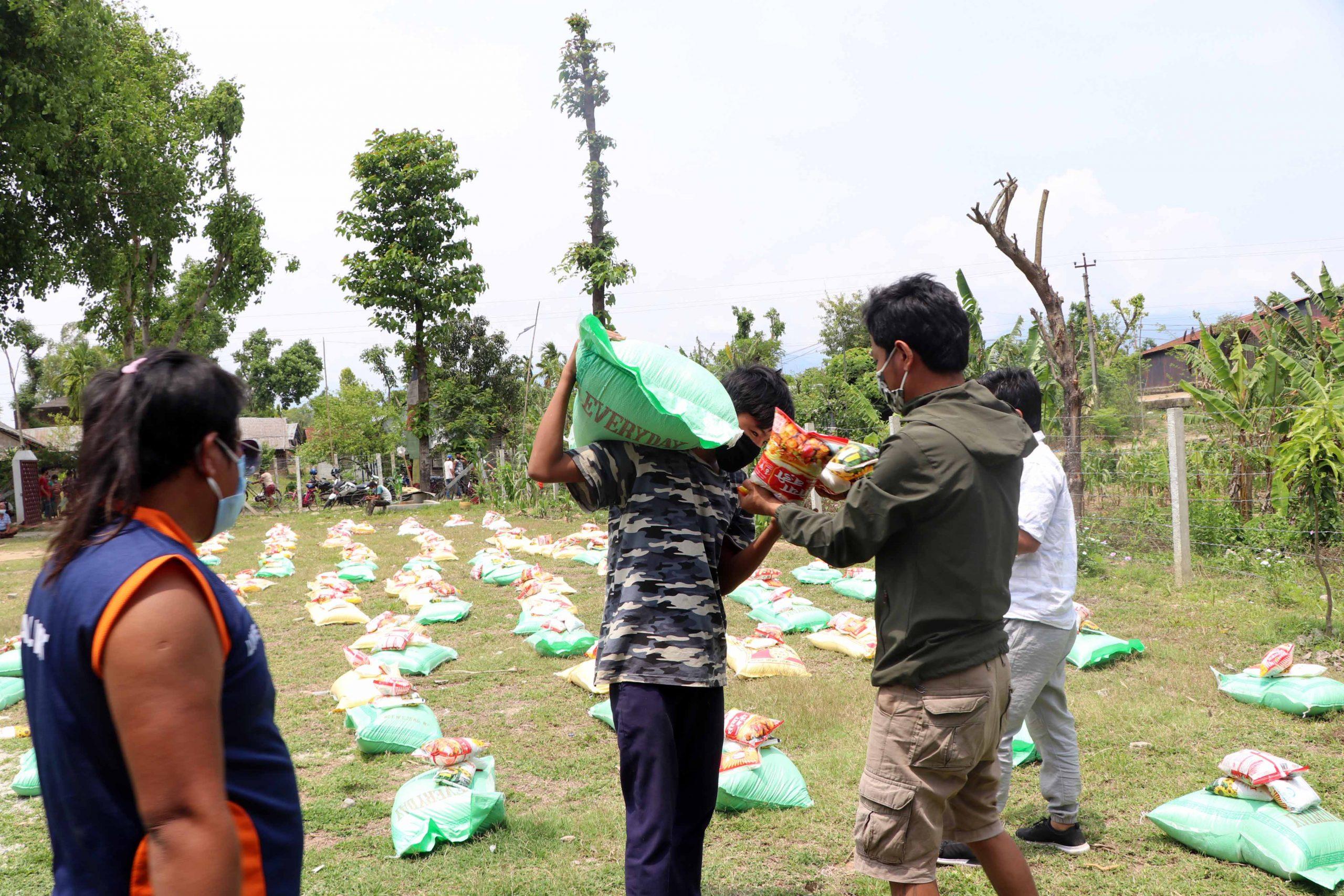तेस्रो मुलुकमा रहेका नेपाली भाषी भूटानीद्धारा राहत सहयोग (भिडियो सहित)