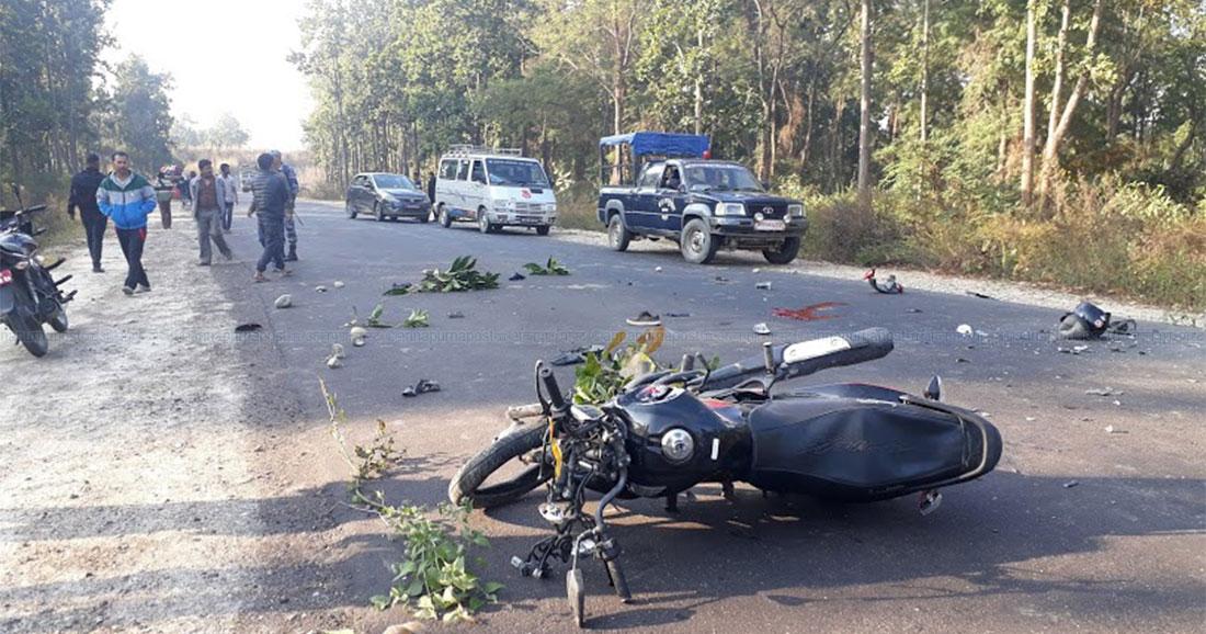दङ्गा प्रहरीले कुदाएको मोटरसाईकलको ठक्करबाट एक महिलाको मृत्यु