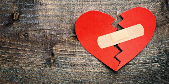 How to Survive a Break Up in the Age of Social Media