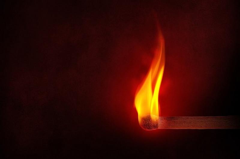 Le torchon brûle !?