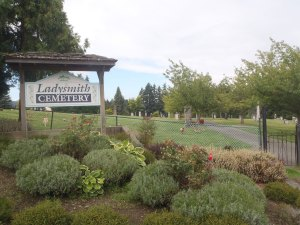 Ladysmith Cemetery entrance (photo: St. John's Lodge No. 21 Historian)