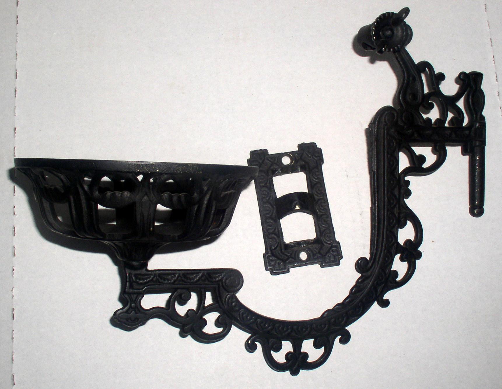 Antique Cast Iron Wall Mount Kerosene Oil Lamp Bracket