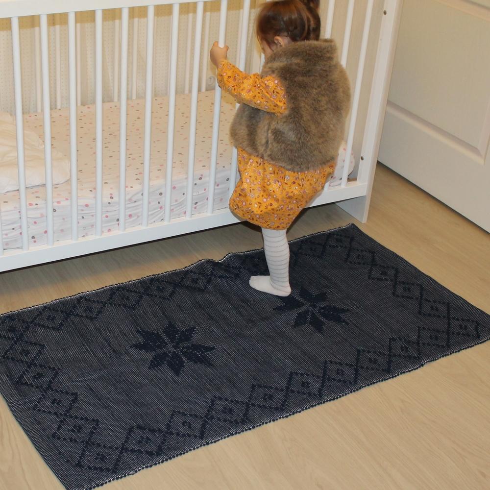 tapis bleu artisanal 70 cm x 1m35 40 chambre d enfant