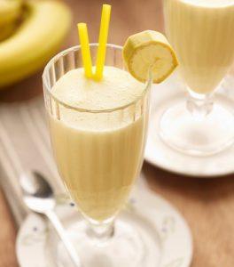 recept-molochnogo-koktejlya-s-bananom2